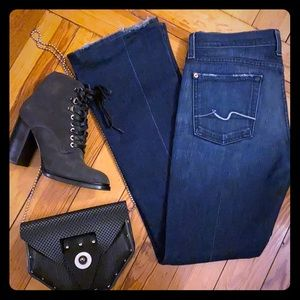 👖7 For All Mankind Dark Wash Bootcut Jeans
